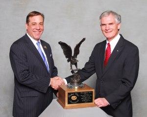 SCI Corporate Treasurer Paul Babaz (l.) Ohio Congressman Bob Latta (r.)